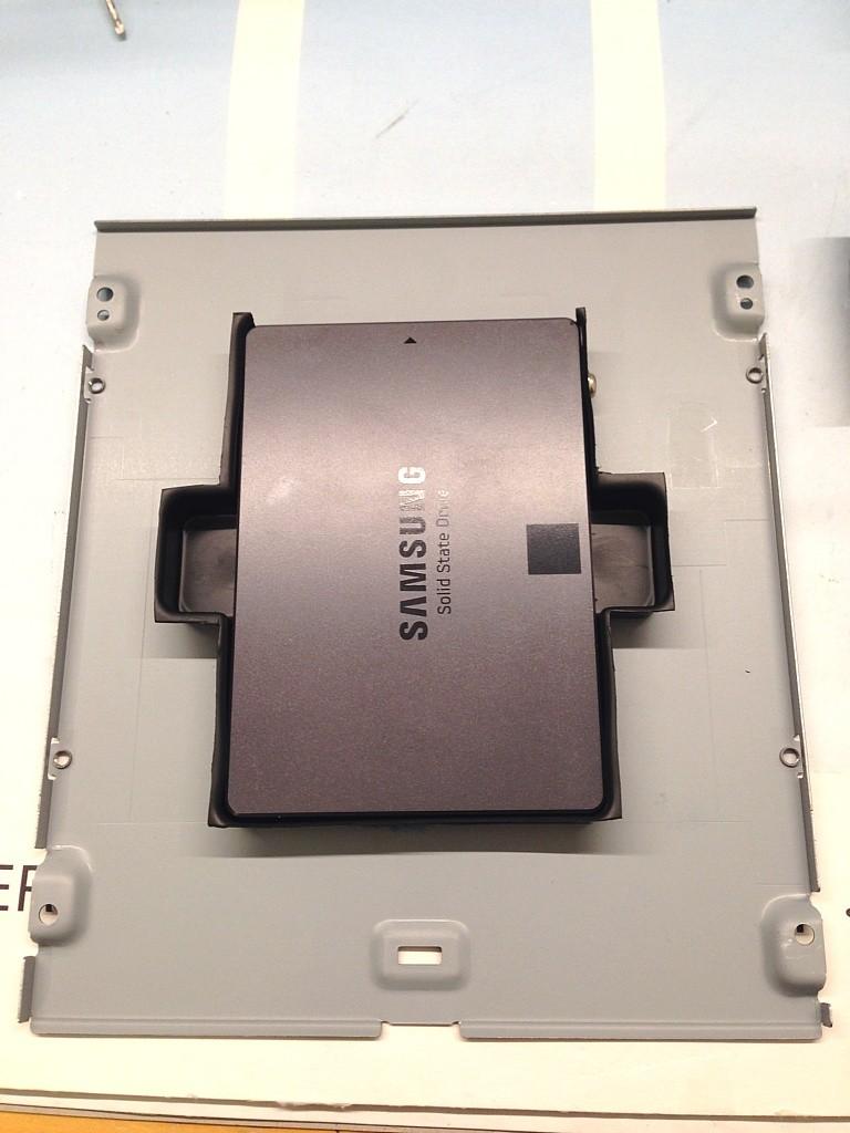 DIY SSD 5.25-Halterung - montiert